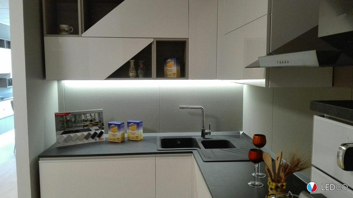 Illuminazione per showroom di cucine bari ledco italia