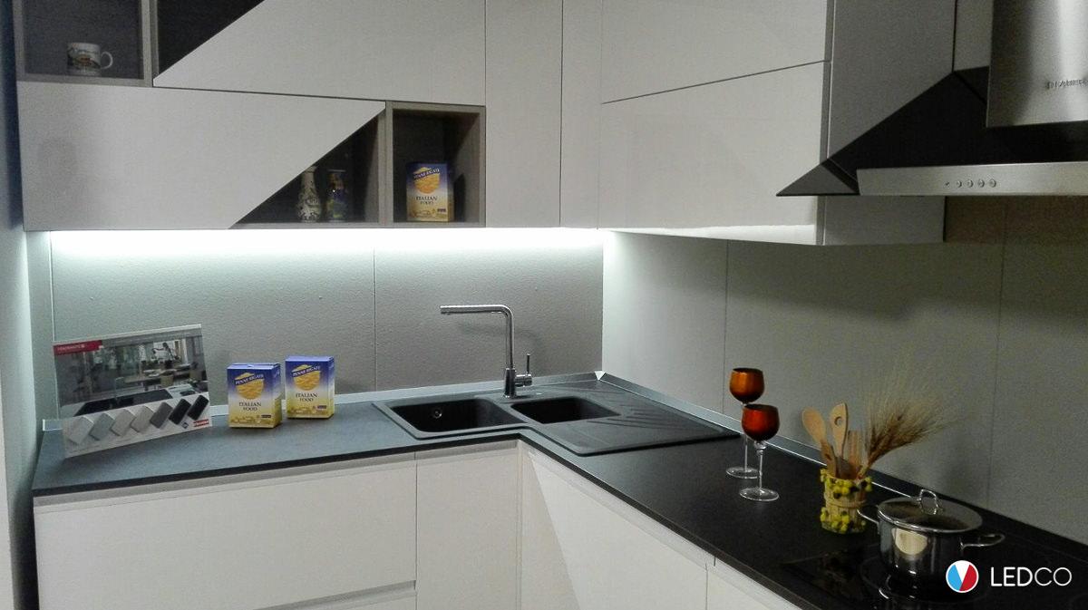 Illuminazione per Showroom di cucine – Bari