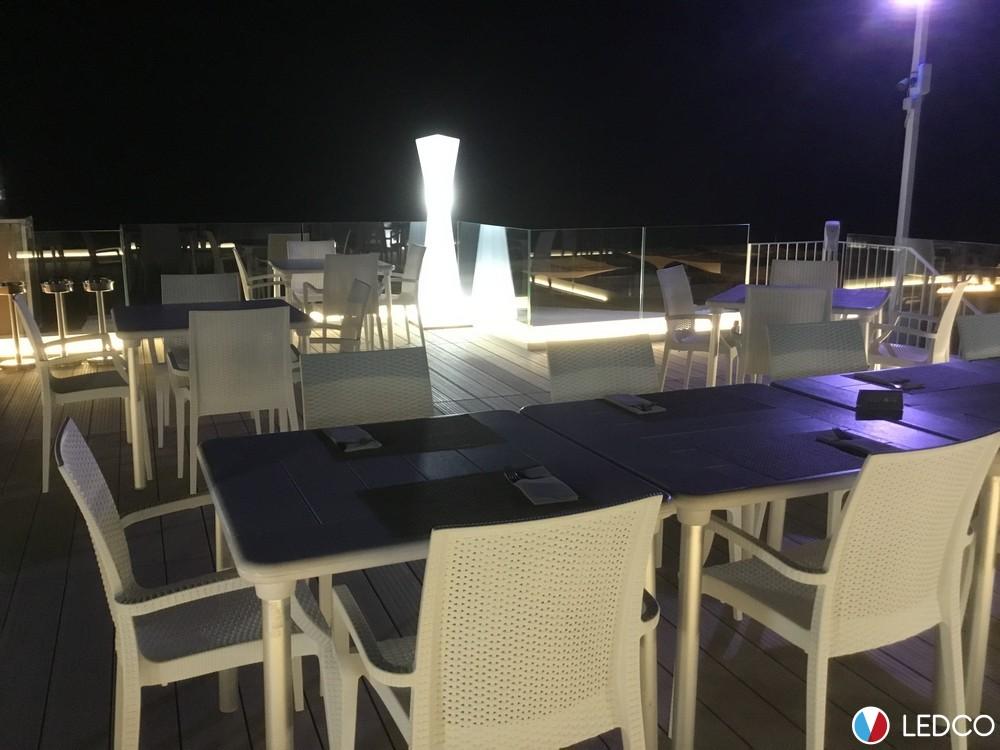 Illuminazione con strip led da esterno ristorante dolores leuca