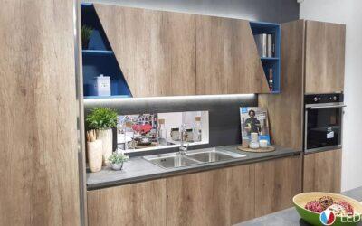 Led touch underthrimined bar – Kitchen showroom – Bari