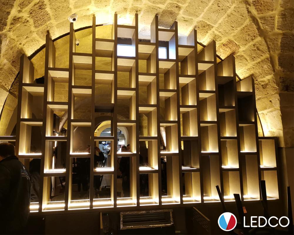 Strip led per illuminazione lounge bar ledco italia