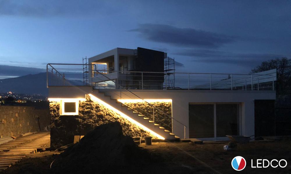 Illuminazione con Strip led da esterno – Villa Taormina (ME)