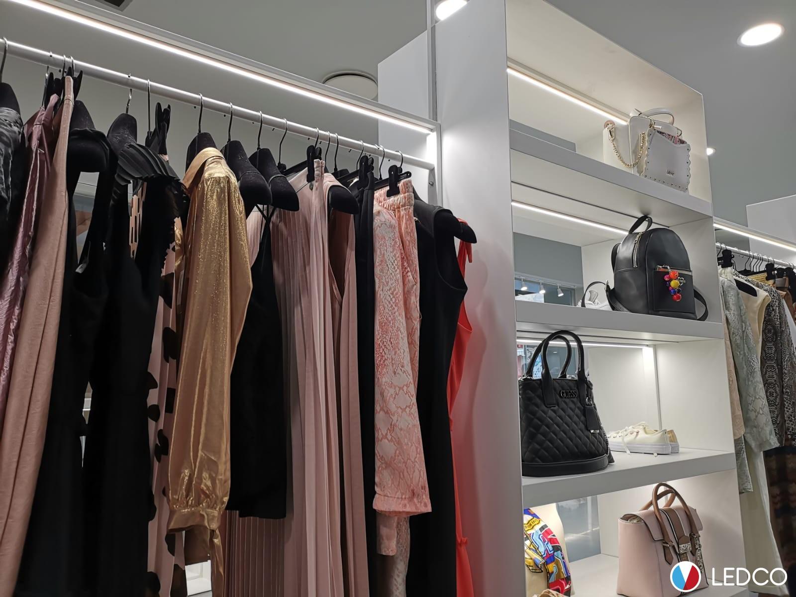 GIACCHE | Donna | Abbigliamento | Raho Avantgarde