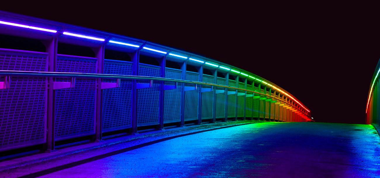 immagine di ponte con i custom led per esterni rgb