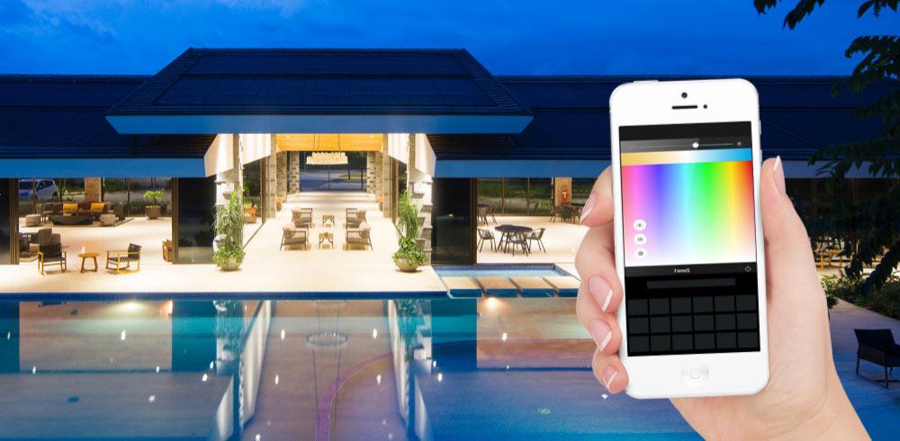 Nuovo CT800: gestire l'illuminazione di più ambienti tramite smartphone e controller da parete